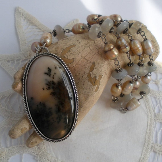 Russian Agate Necklace with Pearls and Moonstones