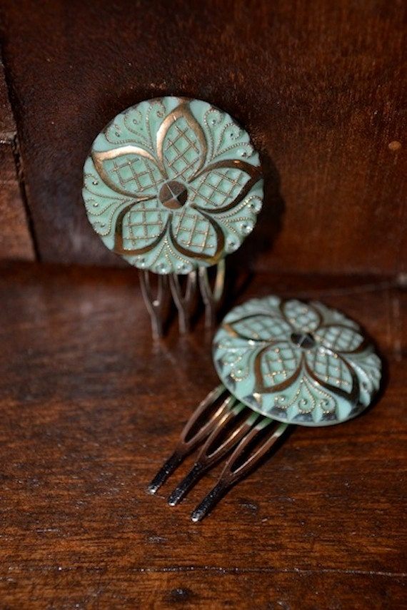 Green and Gold Flower Celluloid Hair Comb Pair