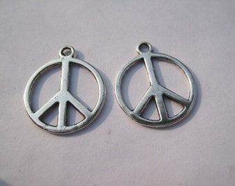 30pcs 24x20mm antiqued silver round shape peace symbol charms