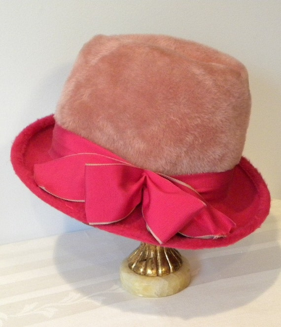 RESERVED for GOLDA--------------------------------------Vintage 1960s Hot Pink and Bubblegum Fur Top Hat with Bow