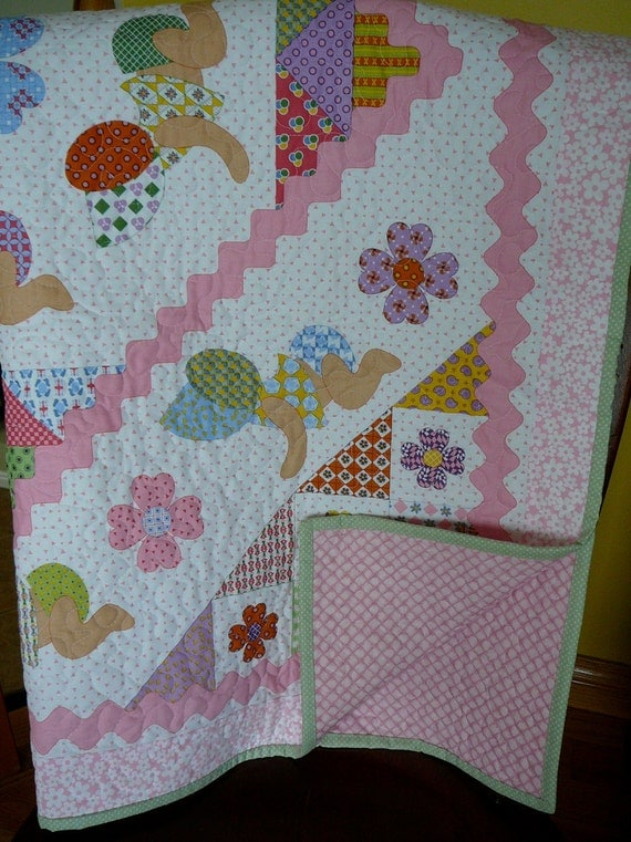 Quilt for Baby Girl Crawling Baby in Bonnet Fabric A Patchwork Quilt in Pink