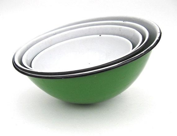 Green Enamelware Mixing Serving Bowls Set of 4