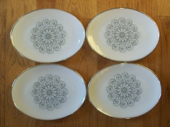 Anchor Hocking Plates Platters Suburbia Vienna Large Oval Platter Metalic Silver Trim set of 4