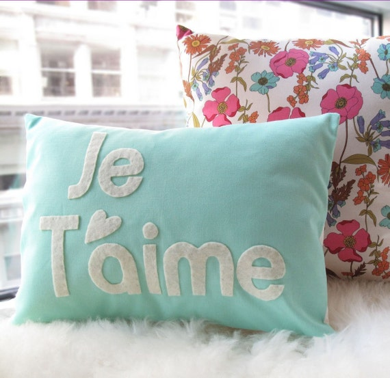 Je T'aime Pillow in Light Teal