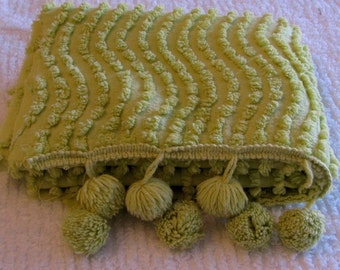 "Celery Green Wavy Vintage Cotton Chenille Bedspread Fabric 30"" x 19.5"""