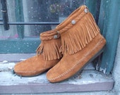 MINNETONKA Brown Suede FRINGE and STUDS Moccasin Boots, women's size 6