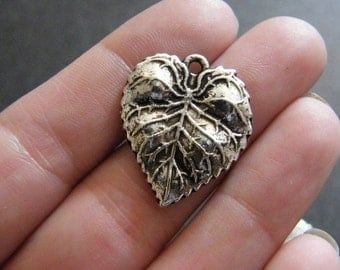 4 Leaf charms antique silver tone L8
