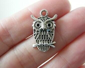 8 Owl pendants antique silver tone O1