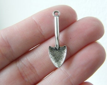BULK 50 spade charms antique silver tone TU12