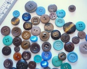 Santa Lucia - Mix of brown, blue and turquoise vintage plastic buttons - lot of 50 pieces