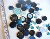 Waking up early - Mix of blue and turquoise vintage plastic buttons - lot of 50 pieces