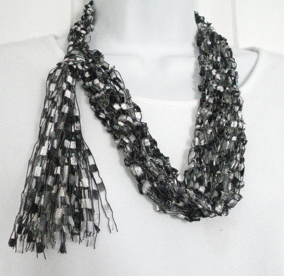 Knit Scarf Pattern Ladder Yarn : Fashion Necklace Scarf Hand Knit in Black Gray and Silver