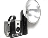 Birthday Sale - Take 20% Off At Checkout -  1950s Vintage Kodak BROWNIE HAWKEYE FLASH Camera - Bakelite