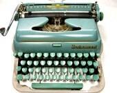1949 UNDERWOOD PORTABLE De LUXE Quiet Tab Typewriter - For Display or Repair