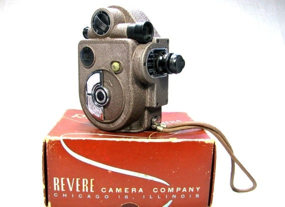 1940s REVERE Eight - Model 88 - Vintage 8mm MOVIE CAMERA with Box - Decorative Only