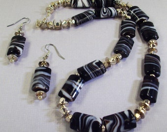 Black Swirled  Glass with Silver Necklace /Earrings