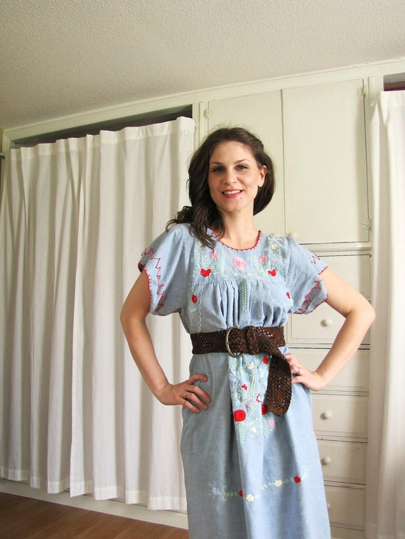 Vintage 1970's Blue Mexican Embroidery Dress / Ethnic Oaxacan Frock