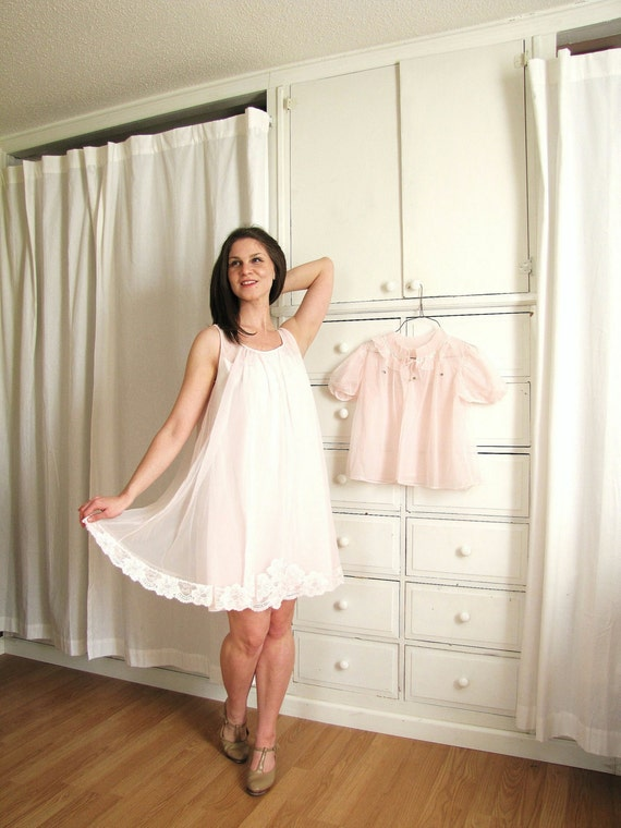 Vintage 1950's-1960's Soft Pink Nightie and Bed Jacket