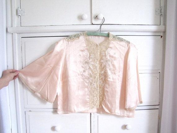 Vintage 1930's Soft Pink Satin and Lace Bed Jacket / Boudoir Jacket