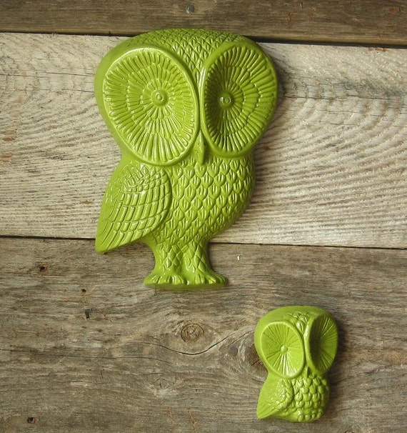 Retro Green  Owl Plaques-Recycled