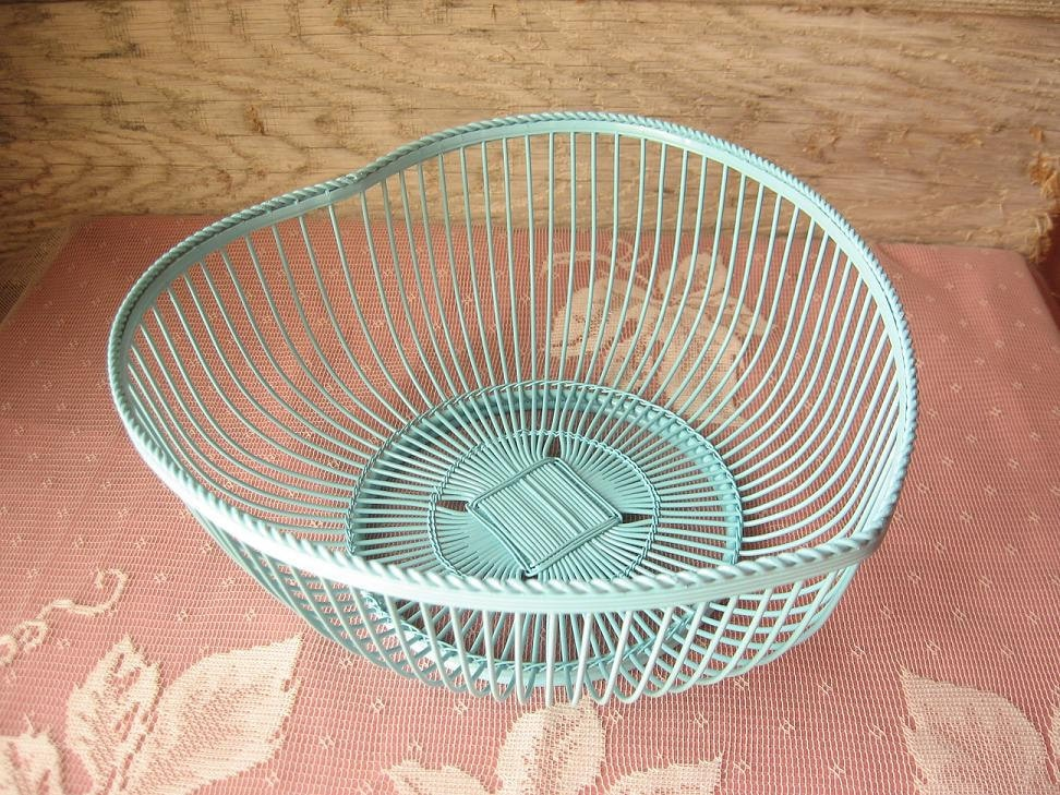 shabby chic heart shaped wire basket   bowl by happybdaytome