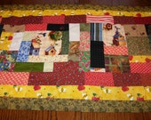 bird paradise table runner