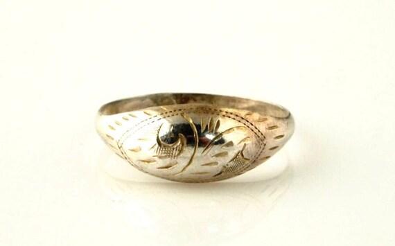 Sterling Etched Vintage Ring