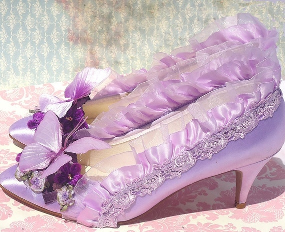 Lavender butterfly Marie Antoinette satin heels size 9