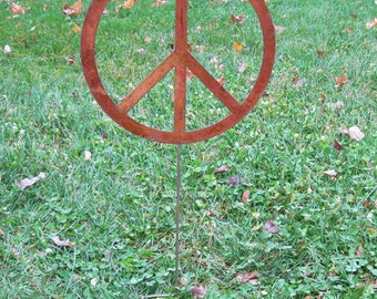 Peace Sign Garden Stake / Garden Art / Yard Art / Wall Hanging / Lawn Ornament / Rustic / Metal / Garden / Hanging / Outdoor / Wall / Art