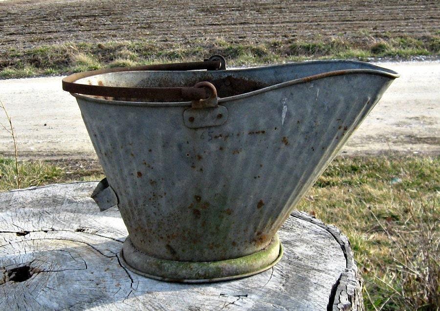 Metal bucket vintage galvanized coal bucket farmhouse for Old metal buckets