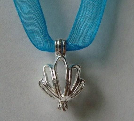 Sea Shell Flower Lockets ((3pcs))