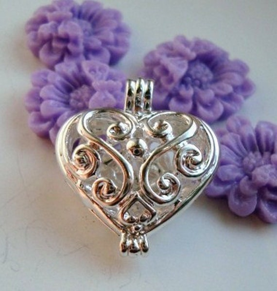 Swirl Filigree Heart Locket Keepsake Heart