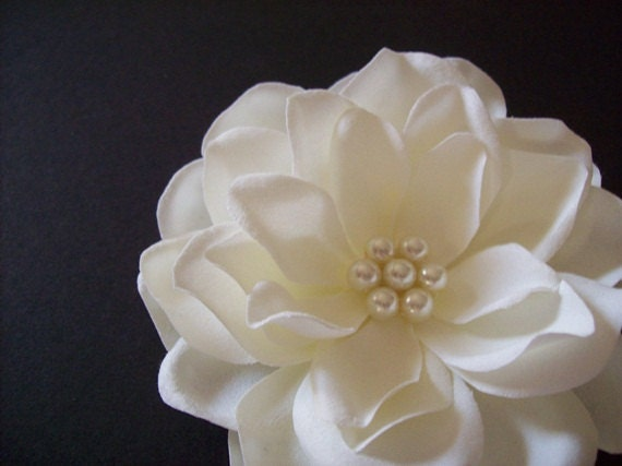 Bridal Hair Accessory - Ivory Hair Clip -  Bridal Hair Flower /  Handmade Wedding Accessory / Ecru Pearls /  Bridal Hair Accessory