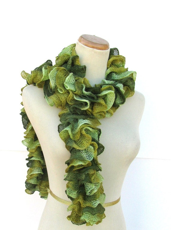 Hand Knit Ruffled Scarf - Green