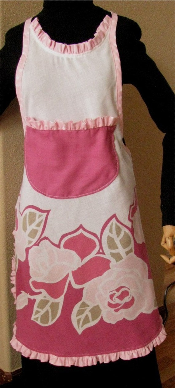 OOAK APRON VERA Tablecloth vintage in pinks raspberry and white