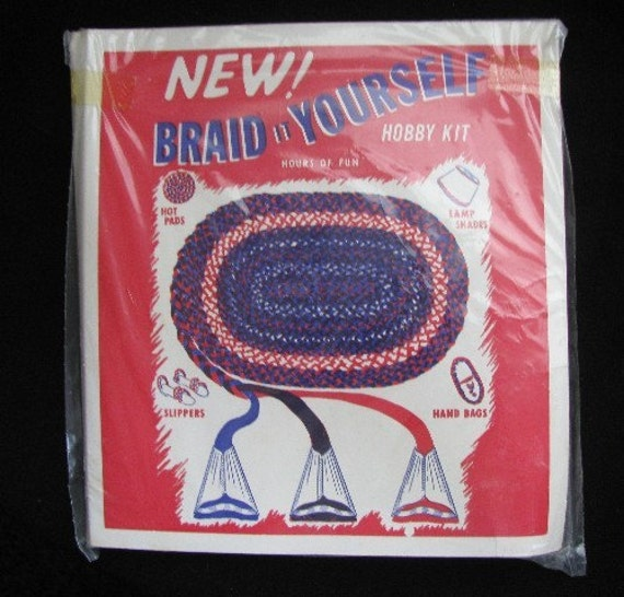 Vintage BRAID IT YOURSELF HOBBY KIT Rag Rug Metal Tips