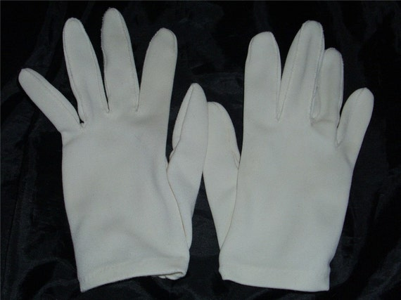 vintage WHITE GLOVES wrist length excellent condition