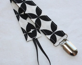 Universal Fabric Pacifier Clip -- Black and White Diamond -- Alexander Henry -- Soothie