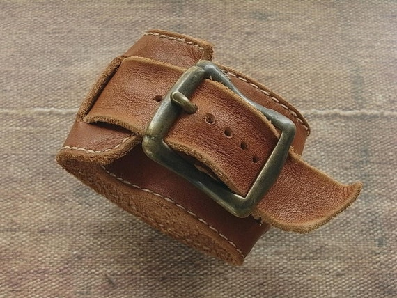 leather wrist band - handstitched