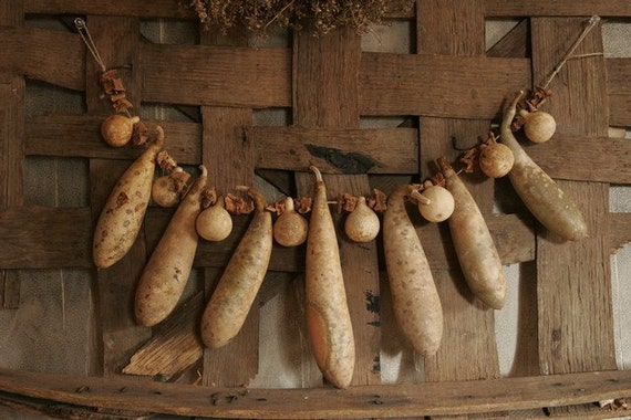 Antique Primitive Gourd Garland with Dried Sweet Potatos