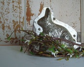 Tin Candy mold, vintage bunny with egg  etsysbestvintage