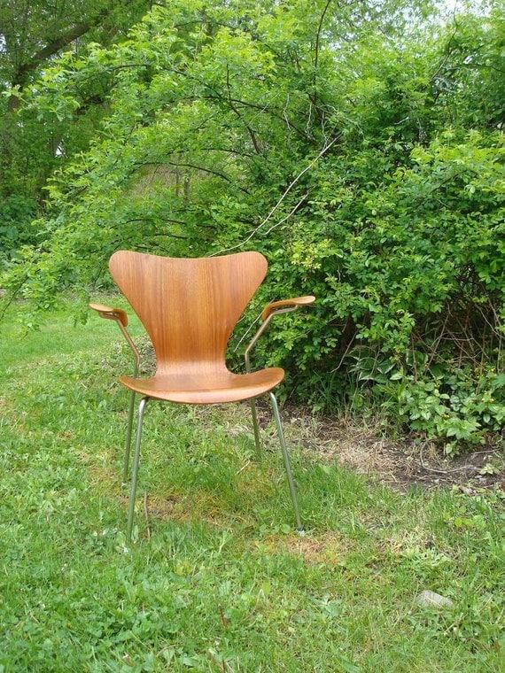 Treasury Item ,Arne Jacobsen Style 7 Armchair, 1960, Original, vintage