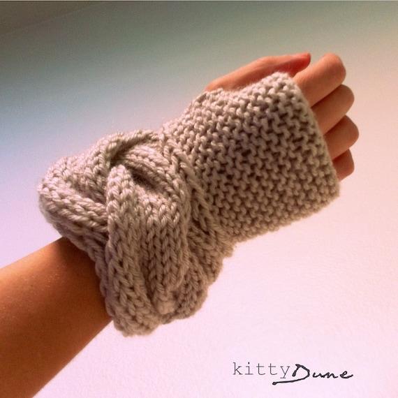 fingerless gloves. The Tipperary Gloves in Linen
