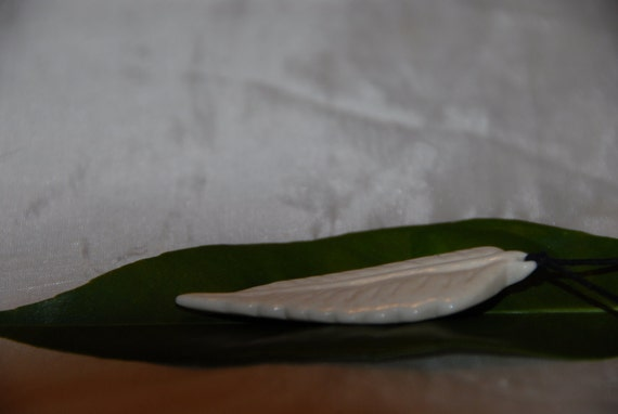Leaf,leaf pendant,leaf bone pendant,leaf hand carved real bone pendant