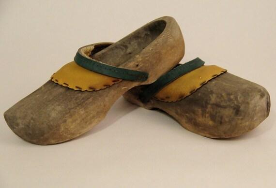 Vintage Wooden Clogs 91