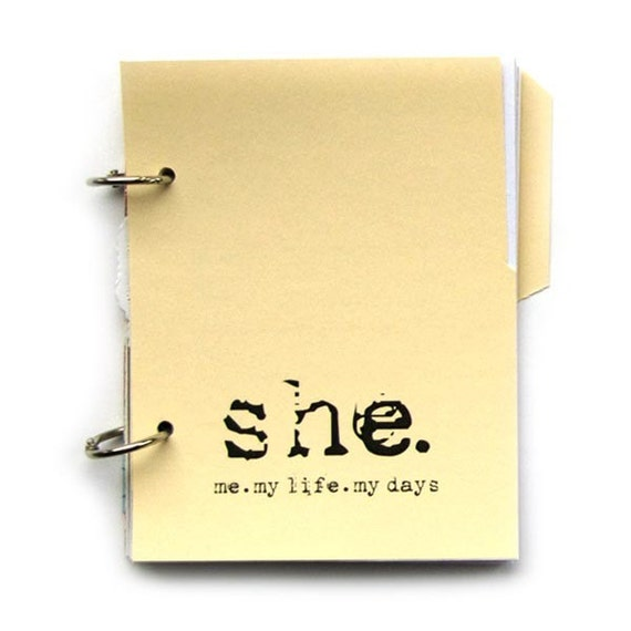 Private Diary with Prompts, Journal - She: Me, My Life, My Days in Lemon Cream Pie 1.0