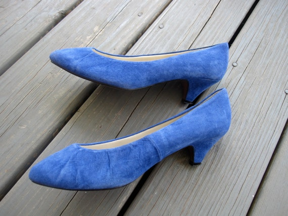 ON SALE NOW - Vintage 80s Blue Suede Pumps, Heels, Size 8, 1980s, Vegan