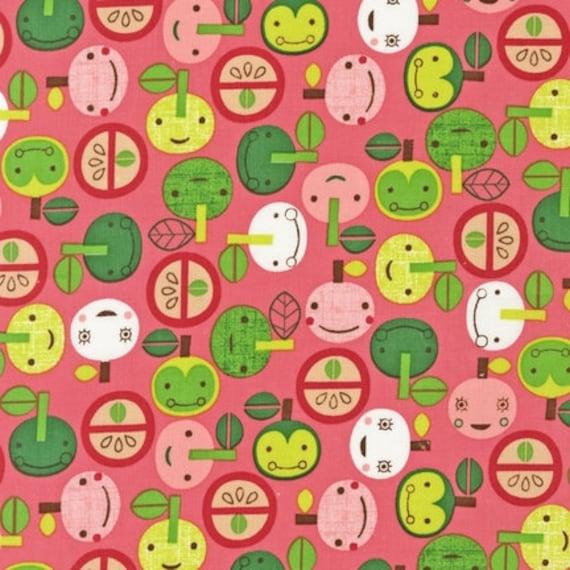 Suzy Ultman, Appleville Apple Faces Fuchsia -Fat quarter