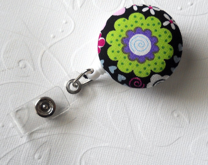Green Flower - Name Badge Holder - Flower Badge Reel - Pretty ID Badge - Badges - Nurse Gift - Fabric Button Badge