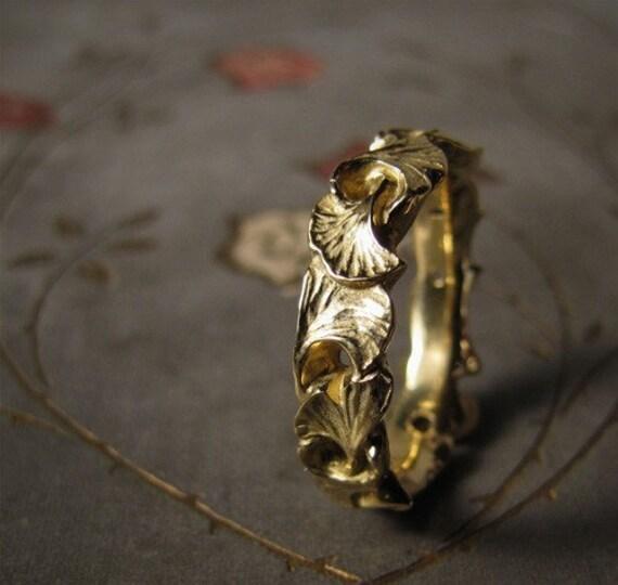 Ginkgo Leaf Wedding Band (14K) - Made to Order
